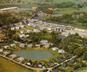 Luftbild vom historischen Rethorn mit den typischen Spitzhäuschen und 'Schuhkartons'