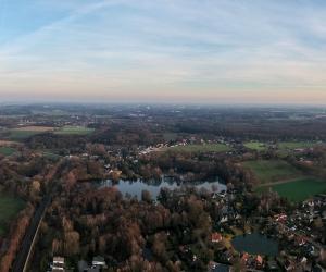 Luftbild von Rethorn mit Kamerner See, Westansicht