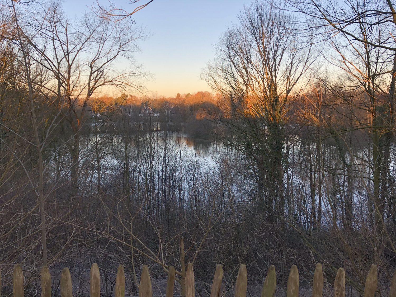 Aussichtsplattform am Kamerner See