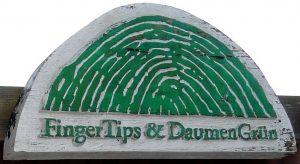 Logo FingerTips & DaumenGrün